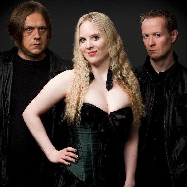 Photo promo de SAVN avec Stig, Carmen et Anders