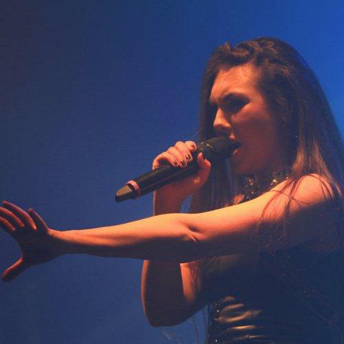 Elize Ryd à l'occasion du concert d'Amaranthe à Paris (La Machine), le 24 mars 2015